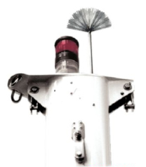 Sailboat mast and light protected by a dissipater air terminal