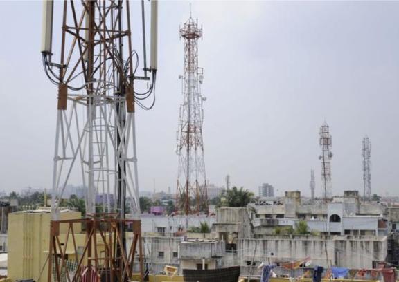 Las torres y antenas son blanco faciles para los rayos!