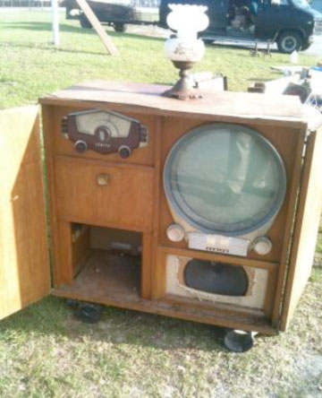 old radio–television console